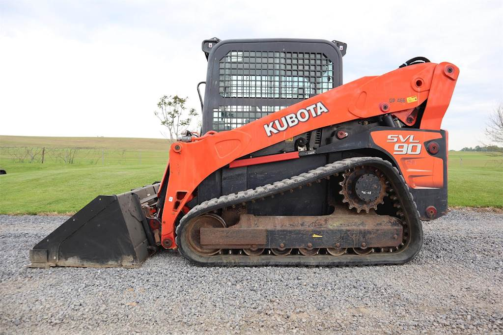 Track Loader For Sale >> 2011 Kubota Svl90 Compact Track Loader For Sale 2 909 Hours