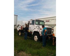 Ford LN 7000 Sweeper Truck