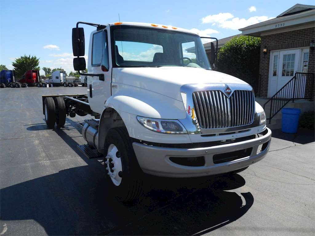 2011 international 4300 sba heavy duty cab chassis truck for sale 210 200 miles melrose. Black Bedroom Furniture Sets. Home Design Ideas