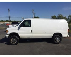Ford E-350 Box Truck / Dry Van