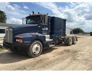 Kenworth T600A Conventional Truck