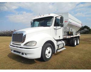 Freightliner Fertilizer Tender Truck Farm / Grain Truck