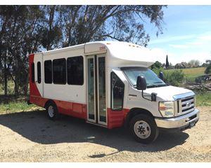Ford E-450 Bus