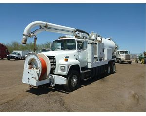 Ford L9000 Water Wagon