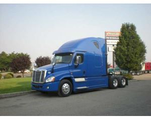 Frieightliner Cascadia Evolution Sleeper Truck