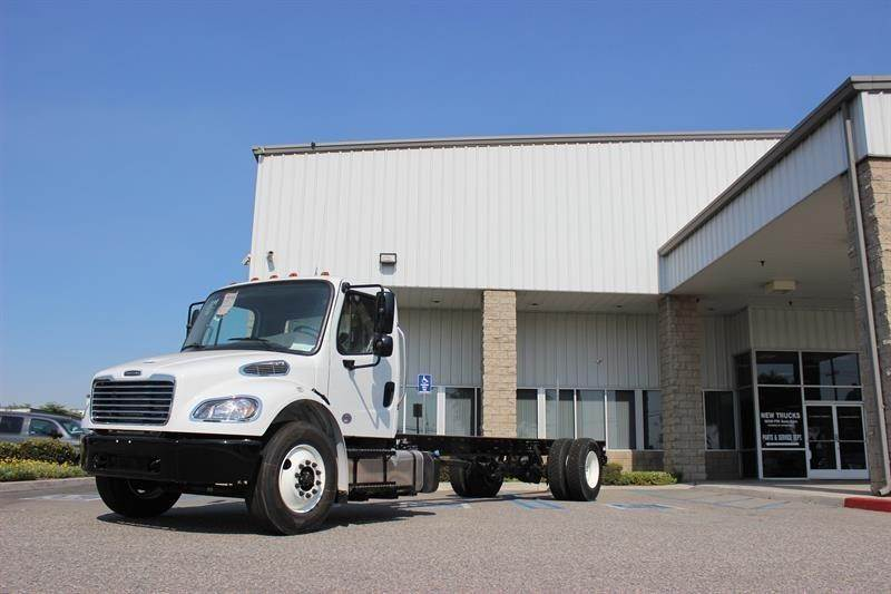 2019 Freightliner M2 106 Cab & Chassis Truck, Detroit DD8