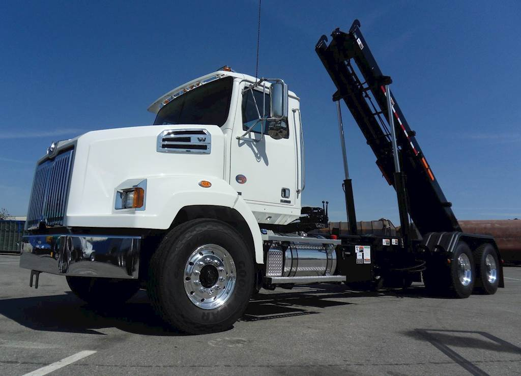 2019 2018 Western Star 4700sb Roll Off Truck For Sale