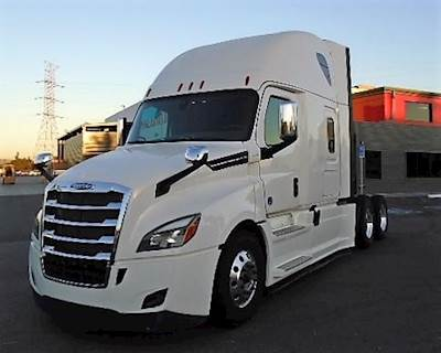 2019 Freightliner Cascadia 126 Sleeper Semi Truck For Sale Fontana