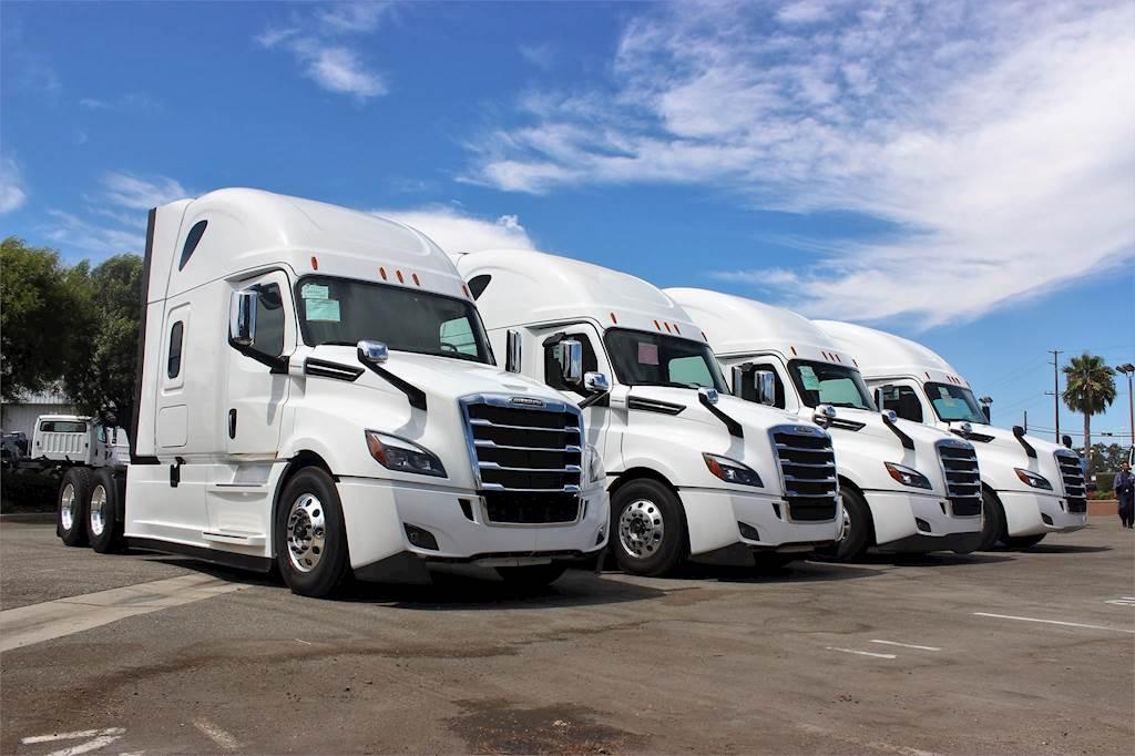 2020 Freightliner Cascadia 126 Sleeper Semi Truck For Sale