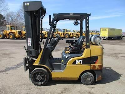 Caterpillar 2C6000 Mast Forklift