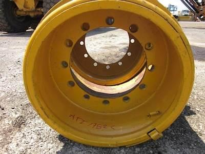 Case 23 5X25 Tire & Rim