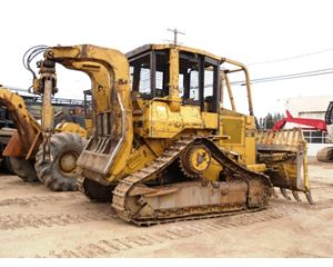 Caterpillar D4H Skidder