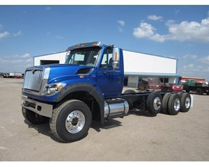 International WORKSTAR 7600 Heavy Duty Cab & Chassis Truck