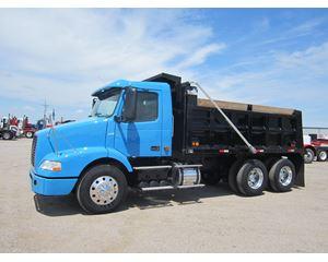 Volvo VNM42T630 Heavy Duty Dump Truck