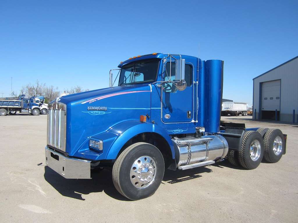 2012 Kenworth T800 Day Cab Semi Truck For Sale, 259,000 ...