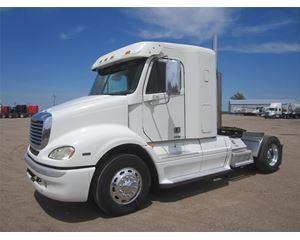 Freightliner CL11284S-COLUMBIA 112 Sleeper Truck