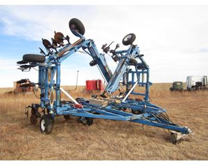 BLU-JET STRIP TILL 830 Tillage Equipment