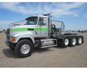 Mack CH613 Winch Truck