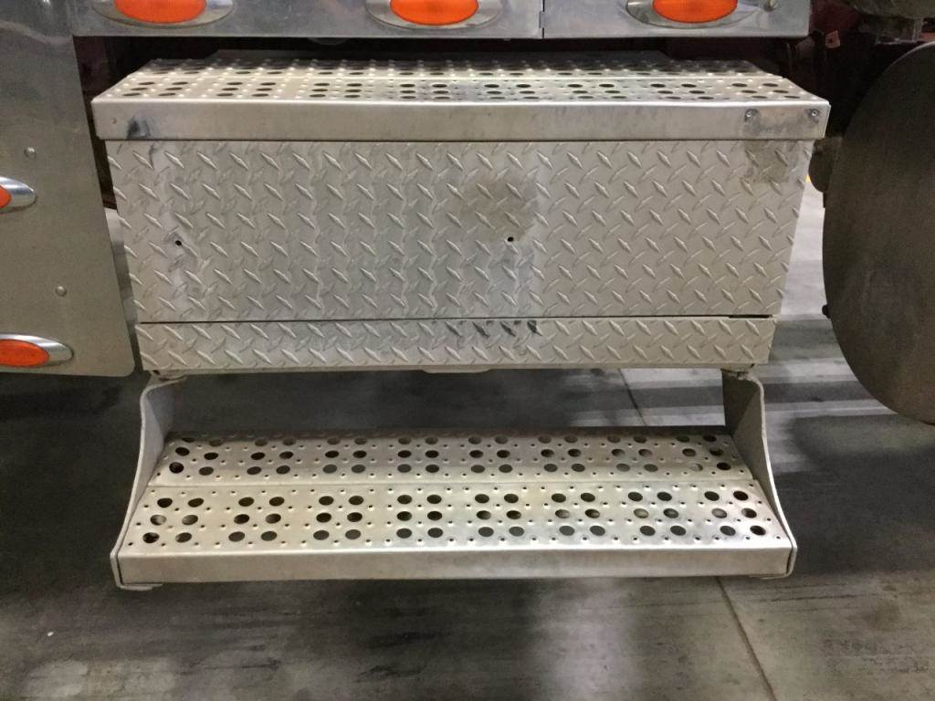2001 Freightliner Classic XL Battery Box