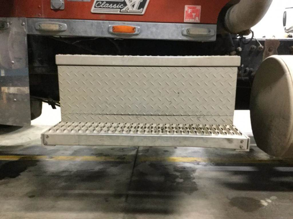 2000 Freightliner Classic XL Battery Box