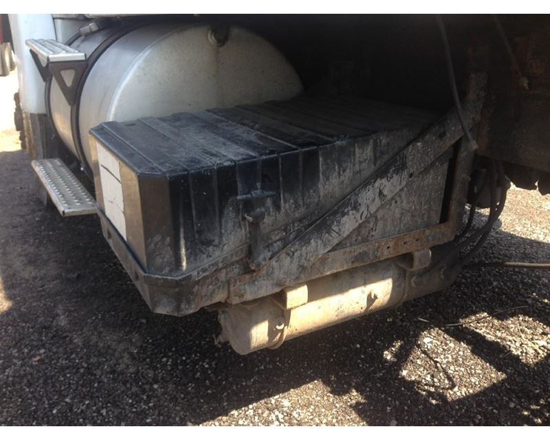 1993 volvo wia battery box for sale spencer ia. Black Bedroom Furniture Sets. Home Design Ideas