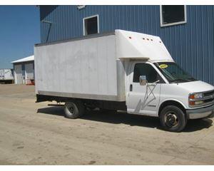 Chevrolet 3500 Box Truck / Dry Van