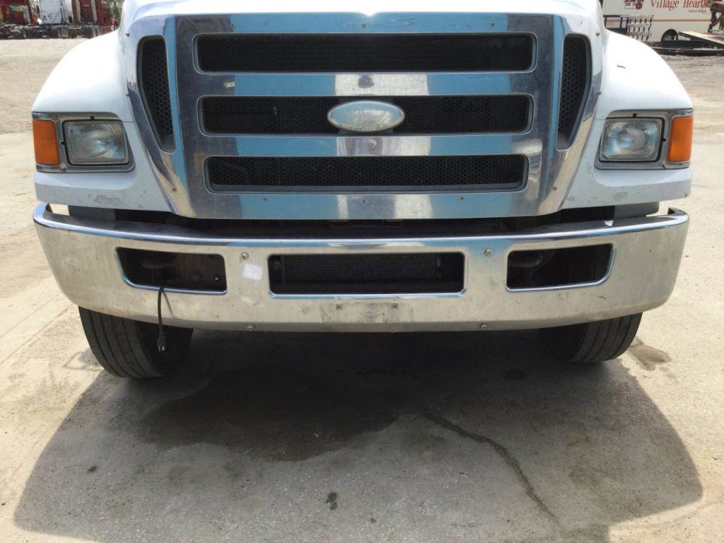 2009 ford f 750 front bumper assembly for a ford f750