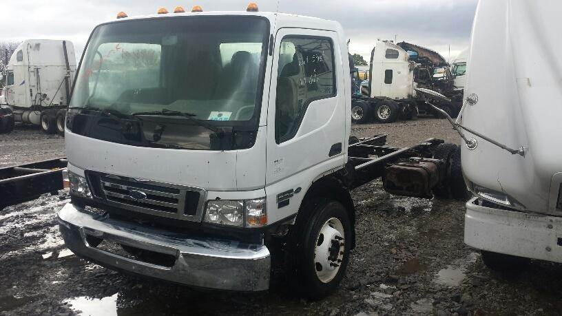 2007 ford lcf l45 medium duty cab & chassis truck being dismantled |  spencer, ia | 07fd005 | mylittlesalesman com
