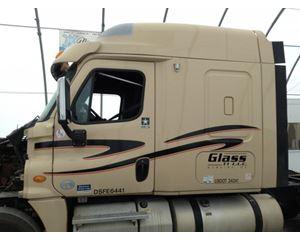 Freightliner Cascadia Cabs For Sale Mylittlesalesman Com