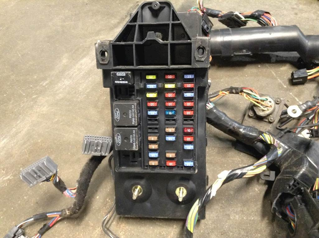 ford wiring harnesses 2010 ford f 650 cab wiring harness for a ford f650 for sale ford wiring harness repair 2010 ford f 650 cab wiring harness for