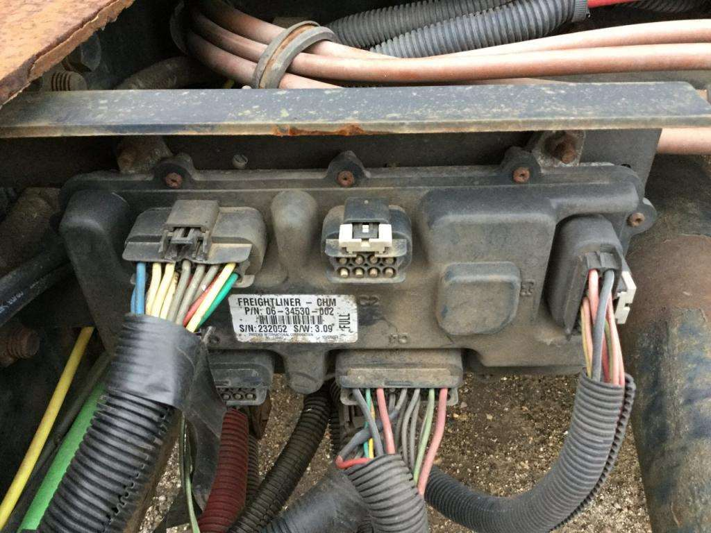 2005 freightliner m2 106 chassis control module for sale