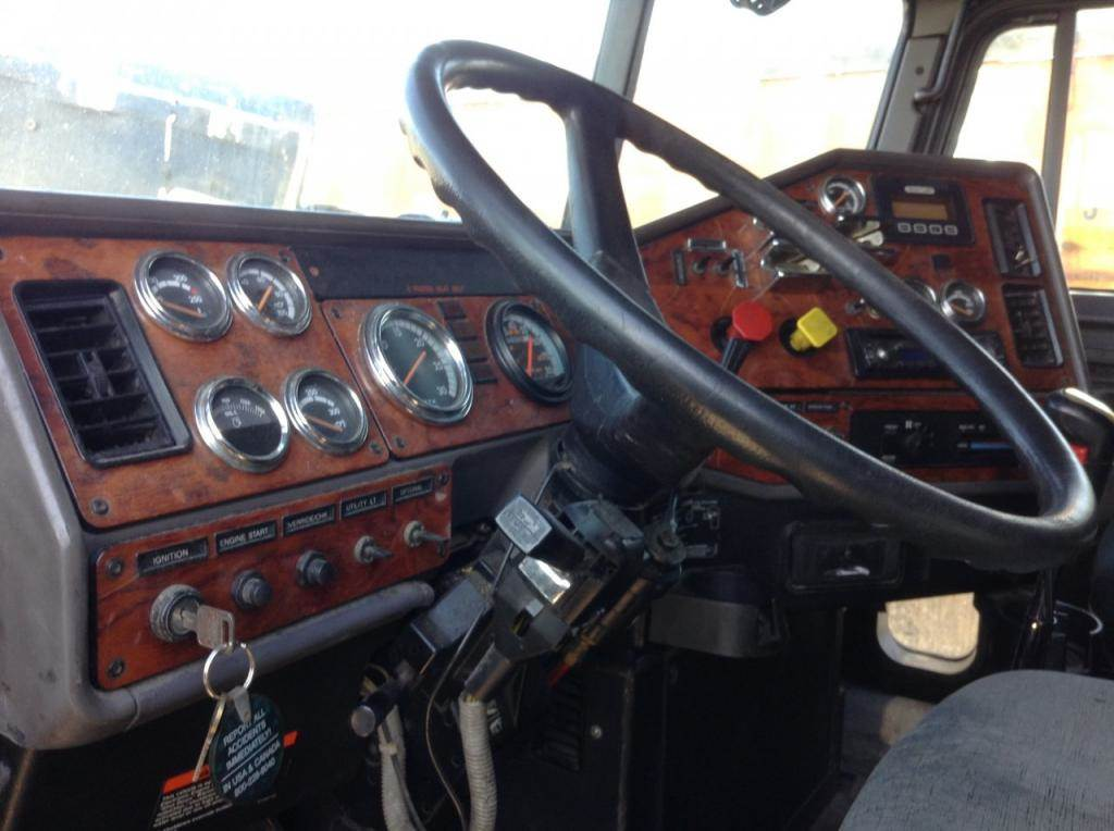 2000 Freightliner Classic Xl Dash Assembly For Sale