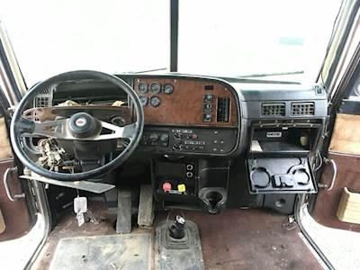 2003 Peterbilt 379 Dash Assembly