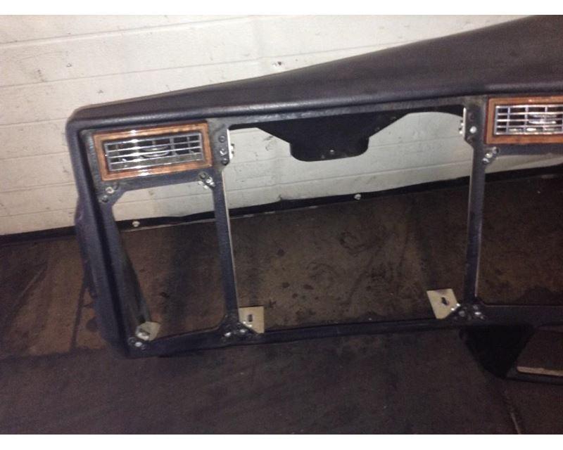 Peterbilt 379 Dash Kits | Raney's Truck Parts
