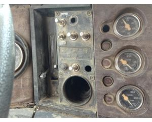 Ford LTL9000 Dash Panel