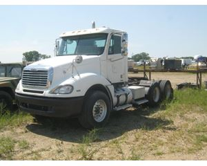 Freightliner COLUMBIA 120 Day Cab Truck