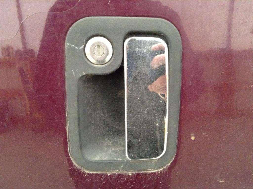 2006 Peterbilt 387 Door Handle For Sale | Council Bluffs, IA ...