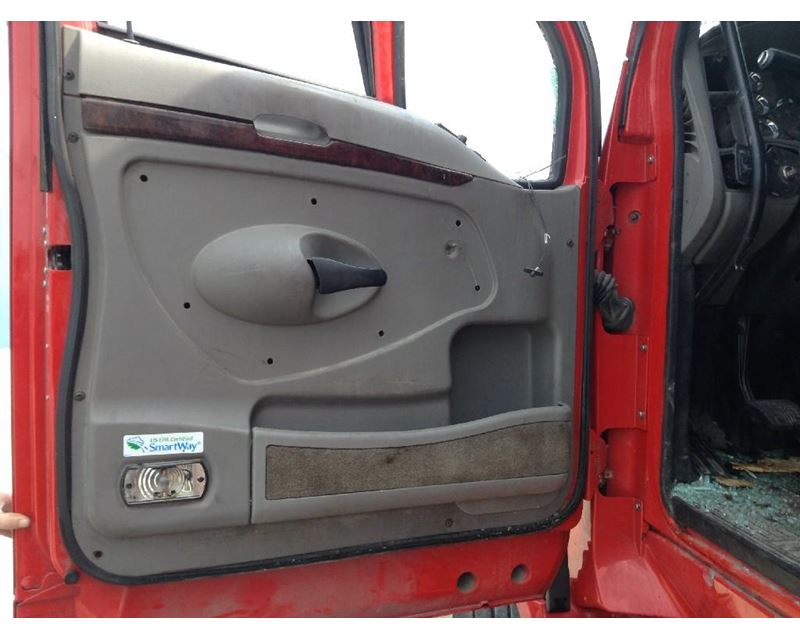 2012 Kenworth T700 Door Interior Panel For Sale Kansas City Mo