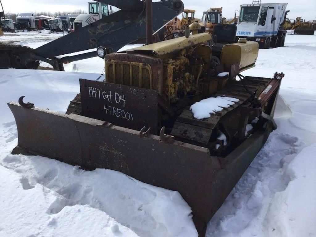 1947 Caterpillar D4 Dozer Being Dismantled   Spencer, IA   47RE001
