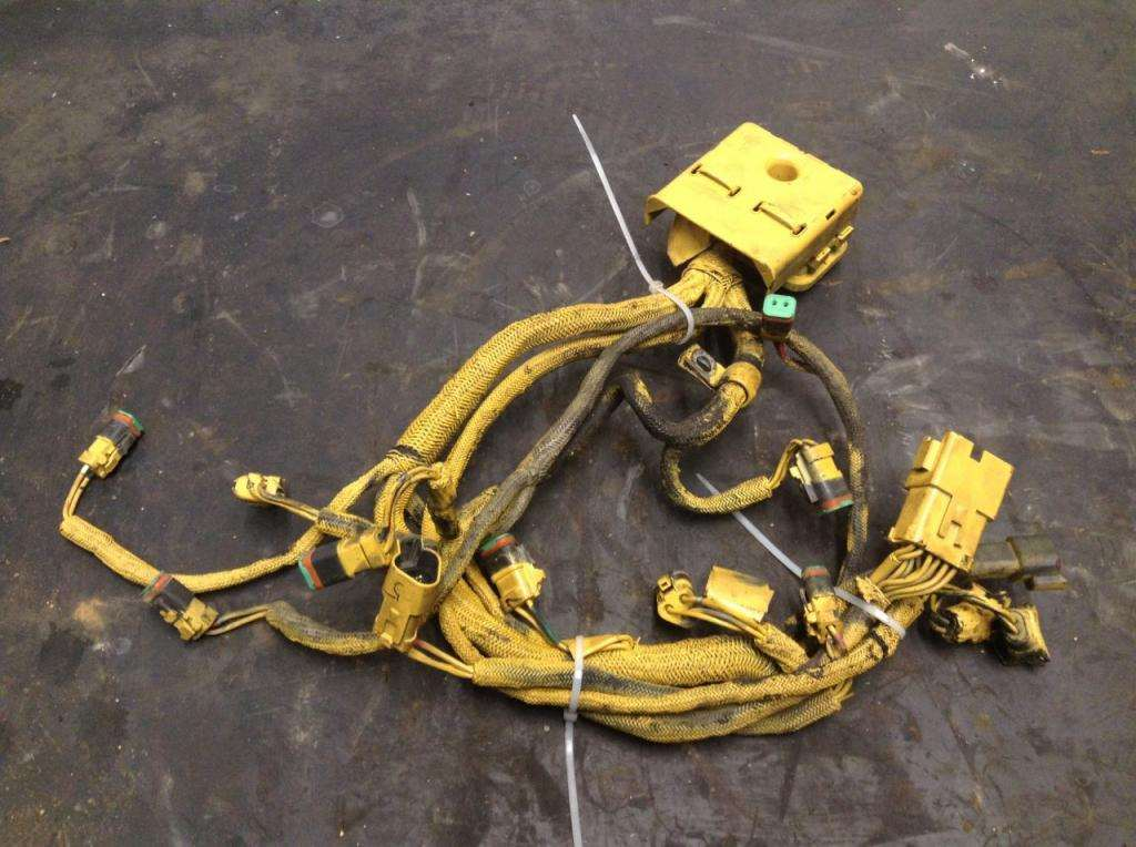 2004 caterpillar c15 engine wiring harness for a kenworth t2000 for rh mylittlesalesman com caterpillar radio wiring harness c15 caterpillar engine wiring harness