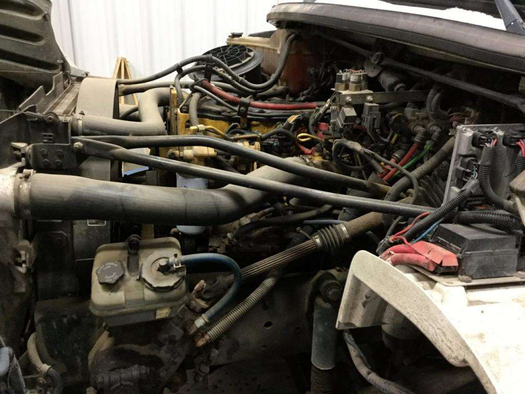 2005 Caterpillar C7 Engine for a FREIGHTLINER M2 106 For ...