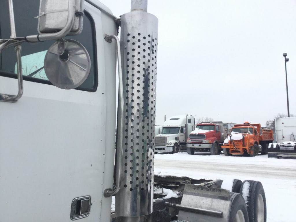 2005 Western Star 4900FA Exhaust Guard for a Western Star Trucks 4900FA For  Sale | Des Moines, IA | 24735570 | MyLittleSalesman com