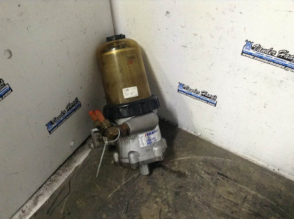 2009 detroit series 60 14 0l fuel filter base for a freightliner c120 century for sale council bluffs, ia davco 382 mylittlesalesman com freightliner fuel caps 2006 freightliner century fuel filter #2