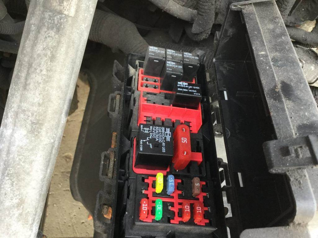 2014 Freightliner Cascadia Fuse Box For Sale