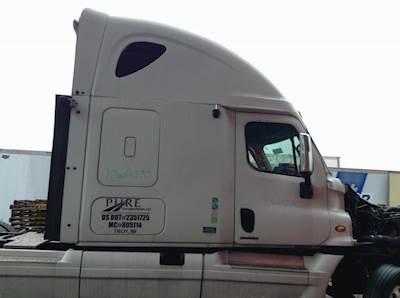 2010 freightliner cascadia fuse box