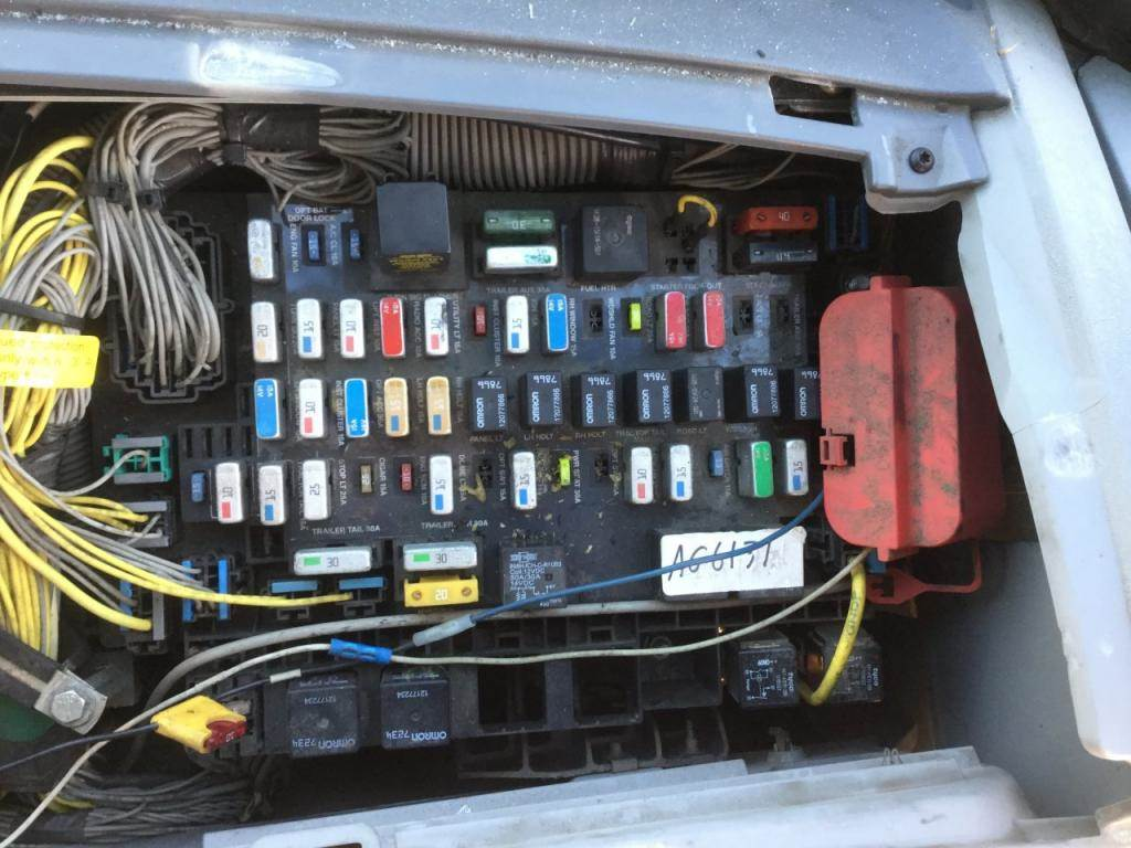 freightliner fuse box location 2009 freightliner century class 120 fuse box for a ... #3