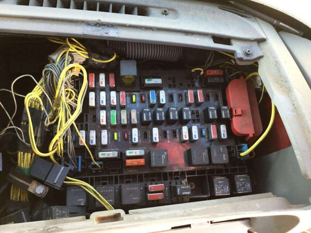 1990 Freightliner Fuse Box Simple Wiring Diagram Site Electrical Diagrams Data Under Hood