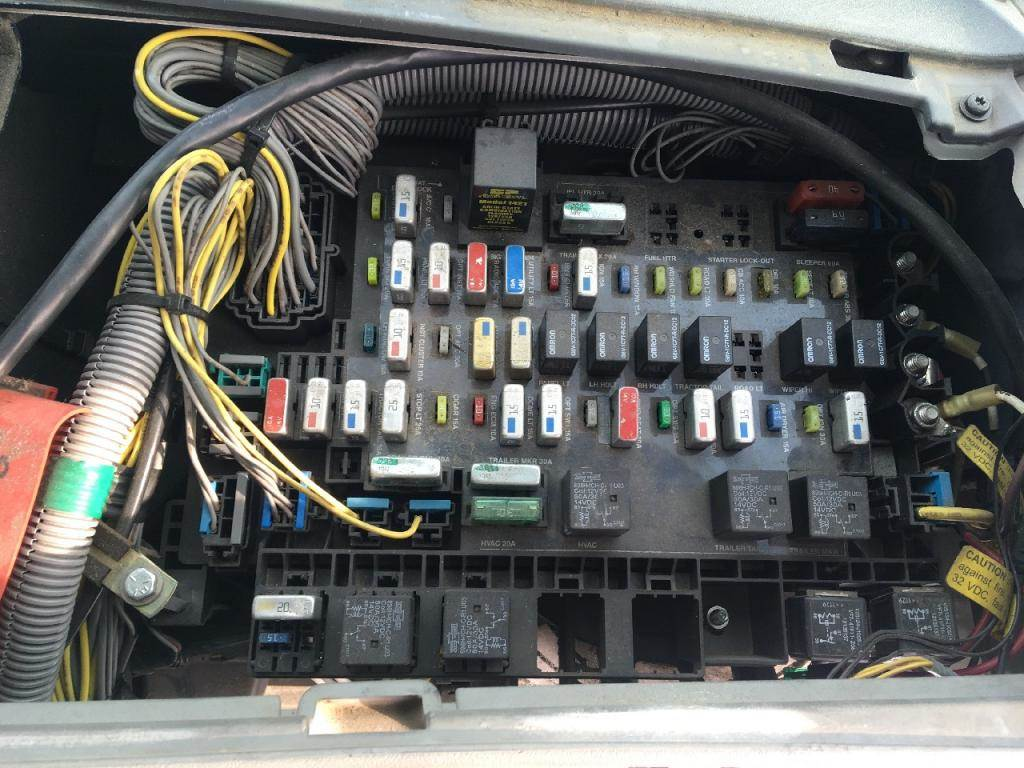 2012 Freightliner Columbia Fuse Box Reinvent Your Wiring Diagram Fl112 112 For Sale Sioux Falls Sd Rh Mylittlesalesman Com Truck Panel