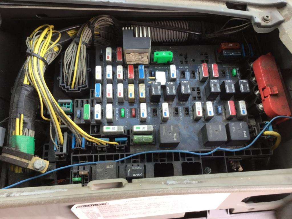 Freightliner Columbia Fuse Box - Schematics Online on