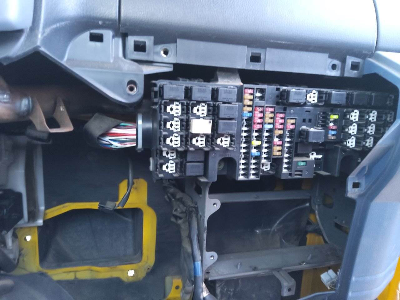 2006 hino 268 fuse box for sale | sioux falls, sd | 24986810 |  mylittlesalesman.com  my little salesman